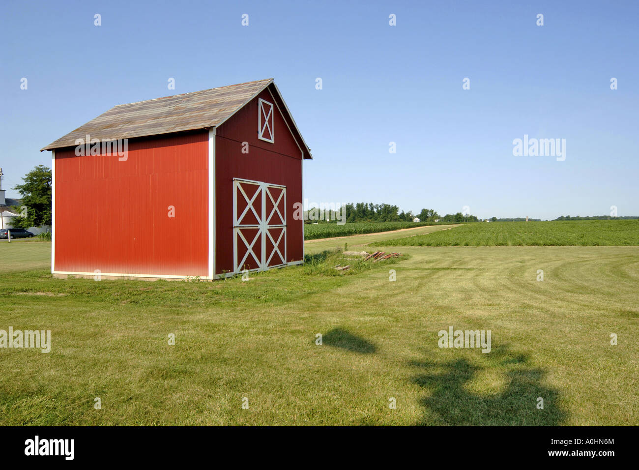 Traditional mid west american farm building in rural for Farm house construction