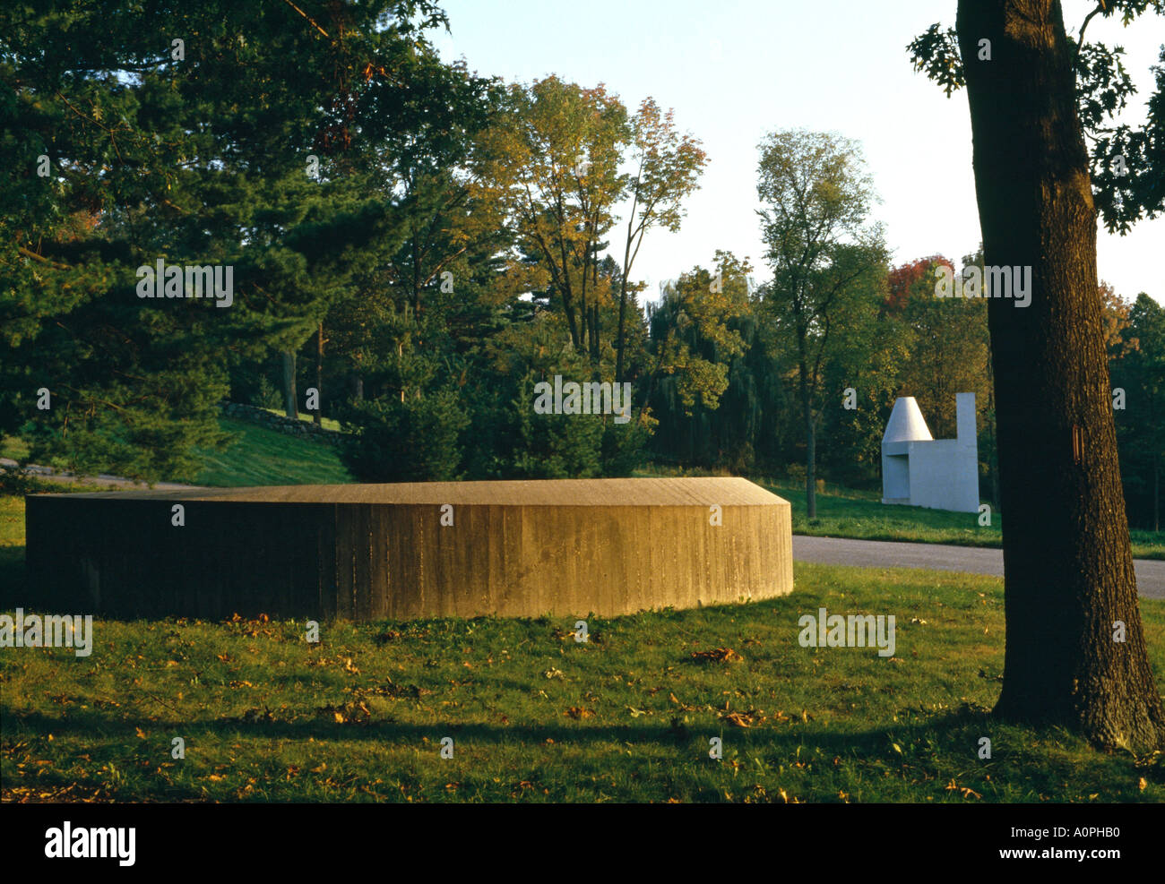 Glass House, New Canaan, Connecticut, 1949. Garden with Donald Judd sculpture and library in background. Stock Photo