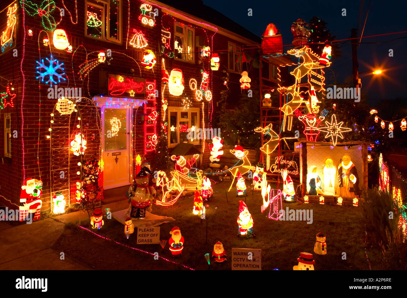England christmas decorations on outside of house and Christmas decorations for house outside ideas