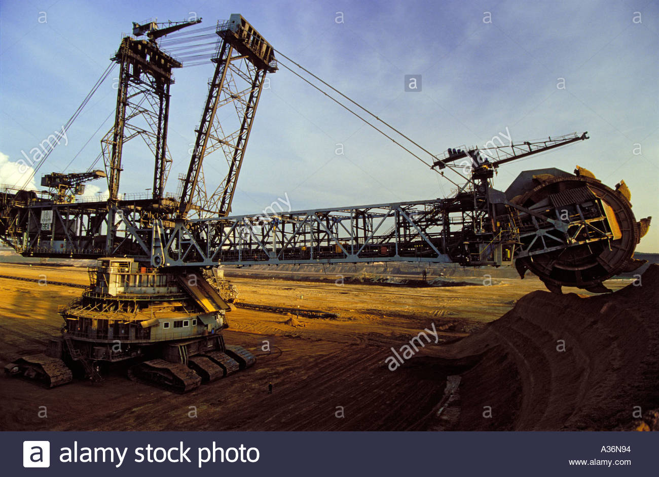strip hydrolic shovel mine coal