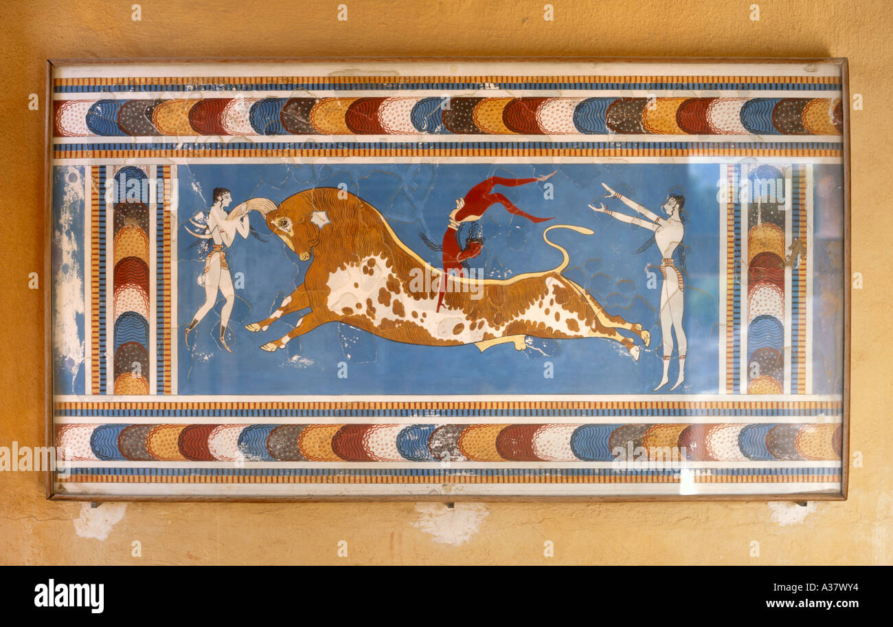 Mural in the palace of knossos iraklion heraklion for Ancient greek mural