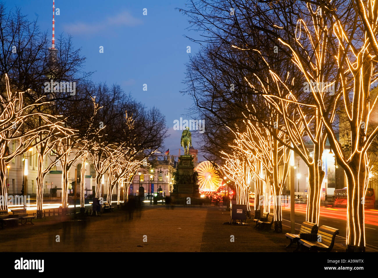 berlin brandenburger tor christmas illumination weihnachtsbeleuchtung stock photo royalty free. Black Bedroom Furniture Sets. Home Design Ideas
