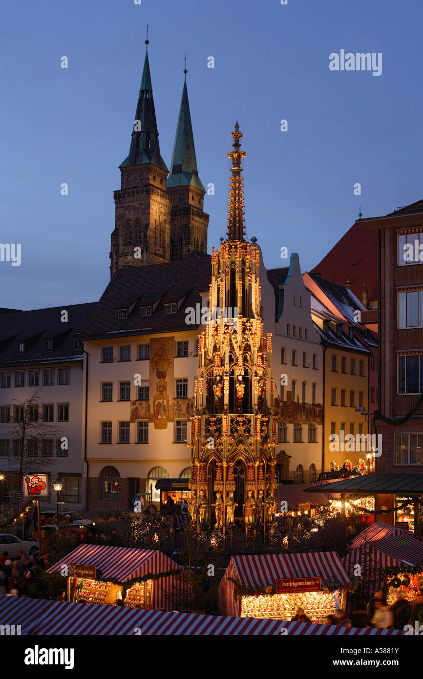 nuremberg christmas market the beautiful fountain. Black Bedroom Furniture Sets. Home Design Ideas