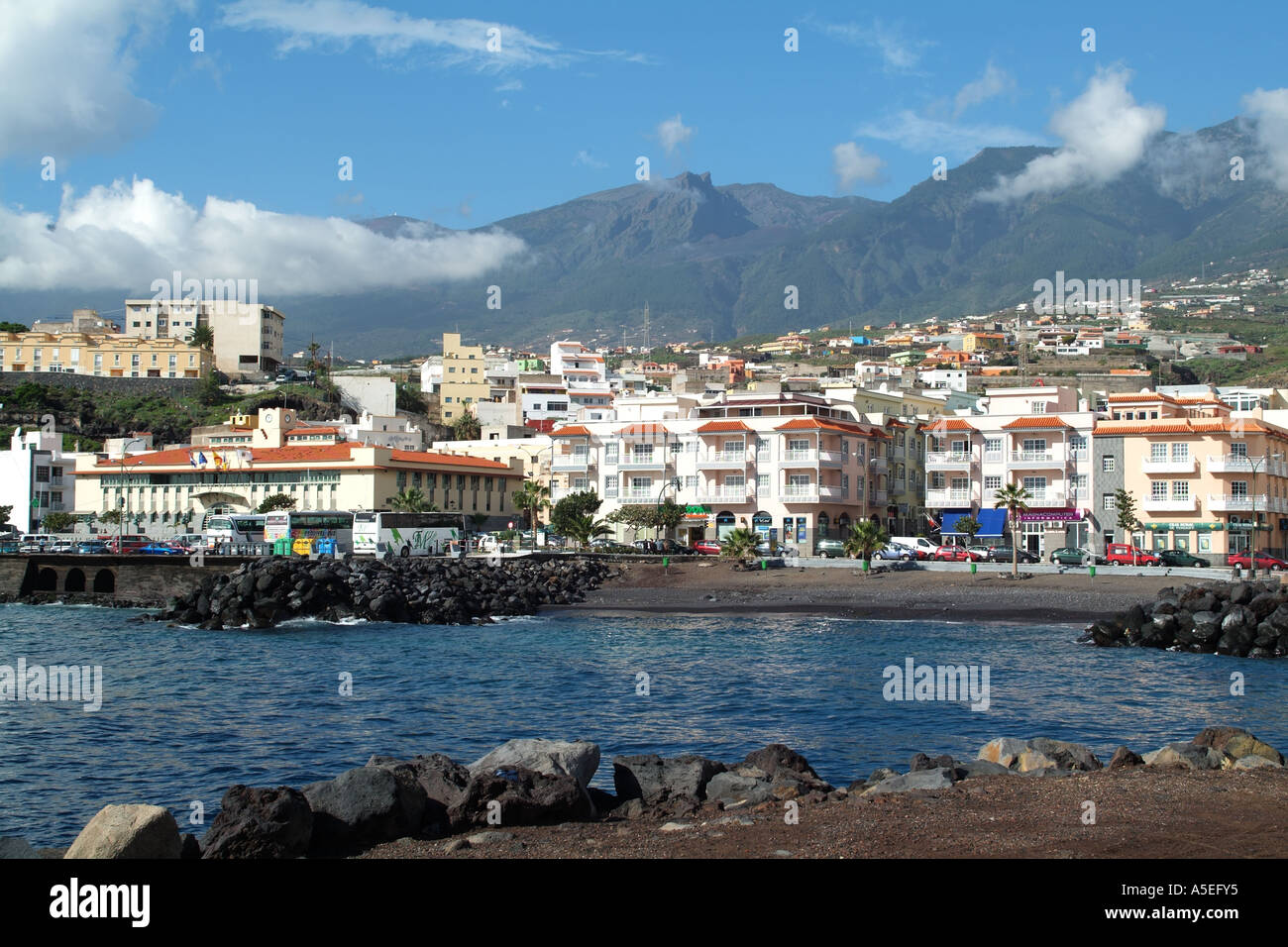 Candelaria a small seaside town on the east coast of for Small east coast beach towns