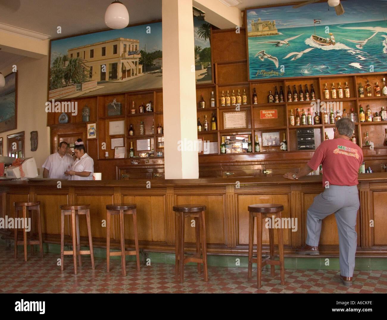 Cuba havana cojimar bar of la terraza american writer for Terraza bar