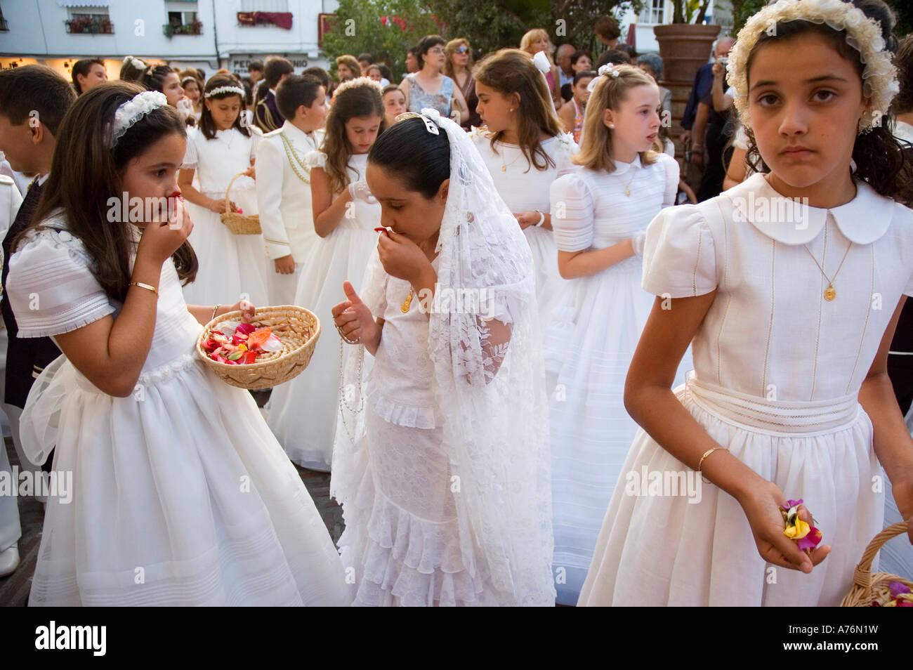 corpus christi girls How did corpus christi texas get its name in 1519, on the roman catholic feast day of corpus christi, spanish explorer alonzo alvarez de pineda discovered a lush.