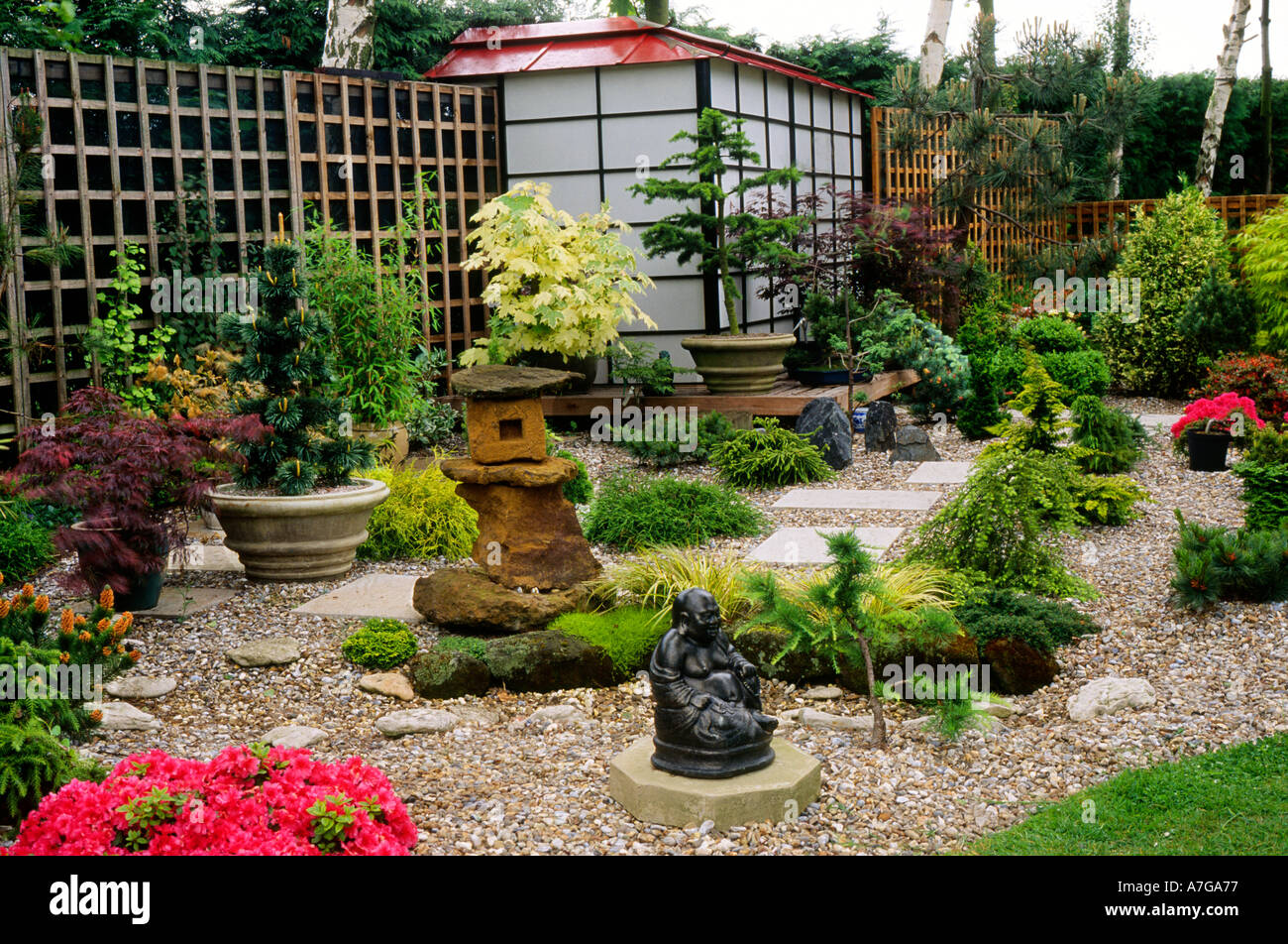 Japanese style small garden england uk garden small garden for Small japanese style gardens