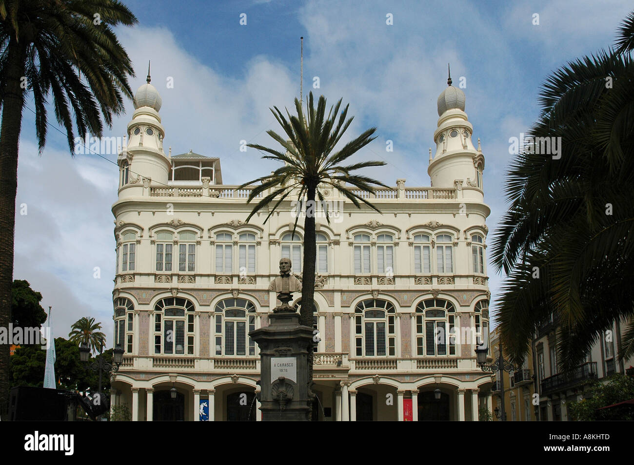 The gabinete literario or literary cabinet building in for Design hotel las palmas gran canaria