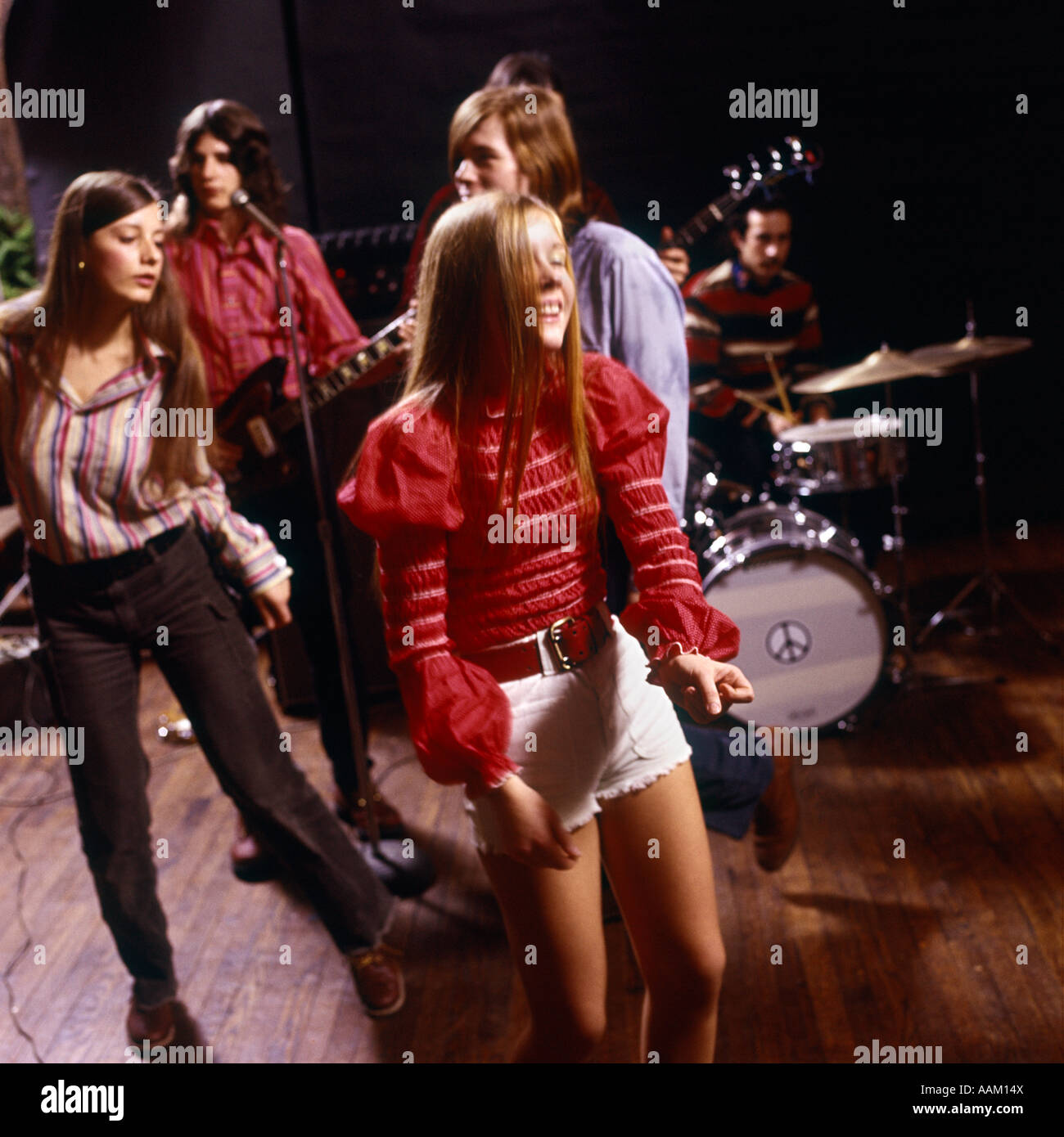 teenager appeal of rock music in They also recognize classic rock of the '60s and '70s as a category, heavy metal, american hard rock, christian music (including christian pop and black gospel), a combined jazz-blues grouping.