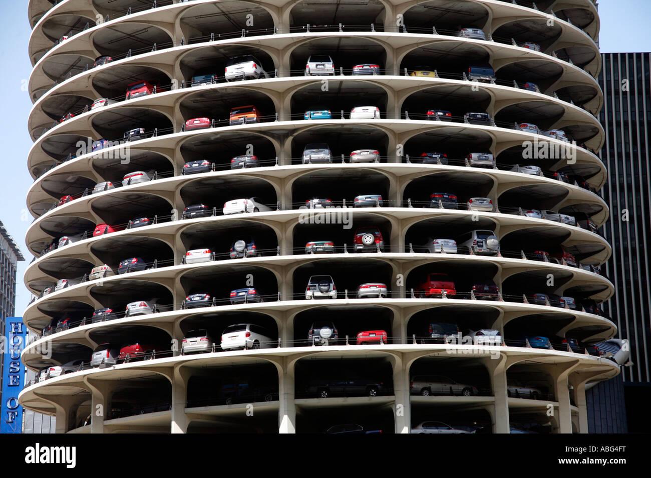 Usa Illinois Chicago Marina City Building