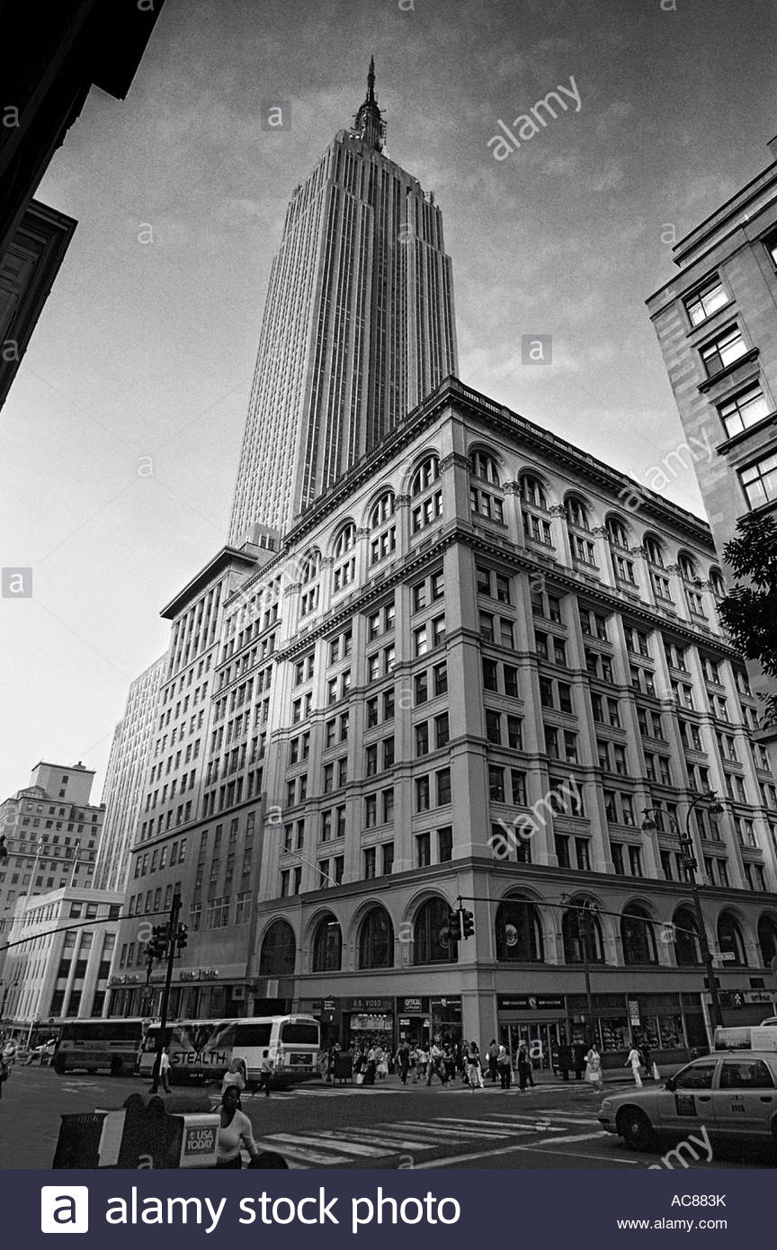 the-empire-state-building-5th-avenue-man