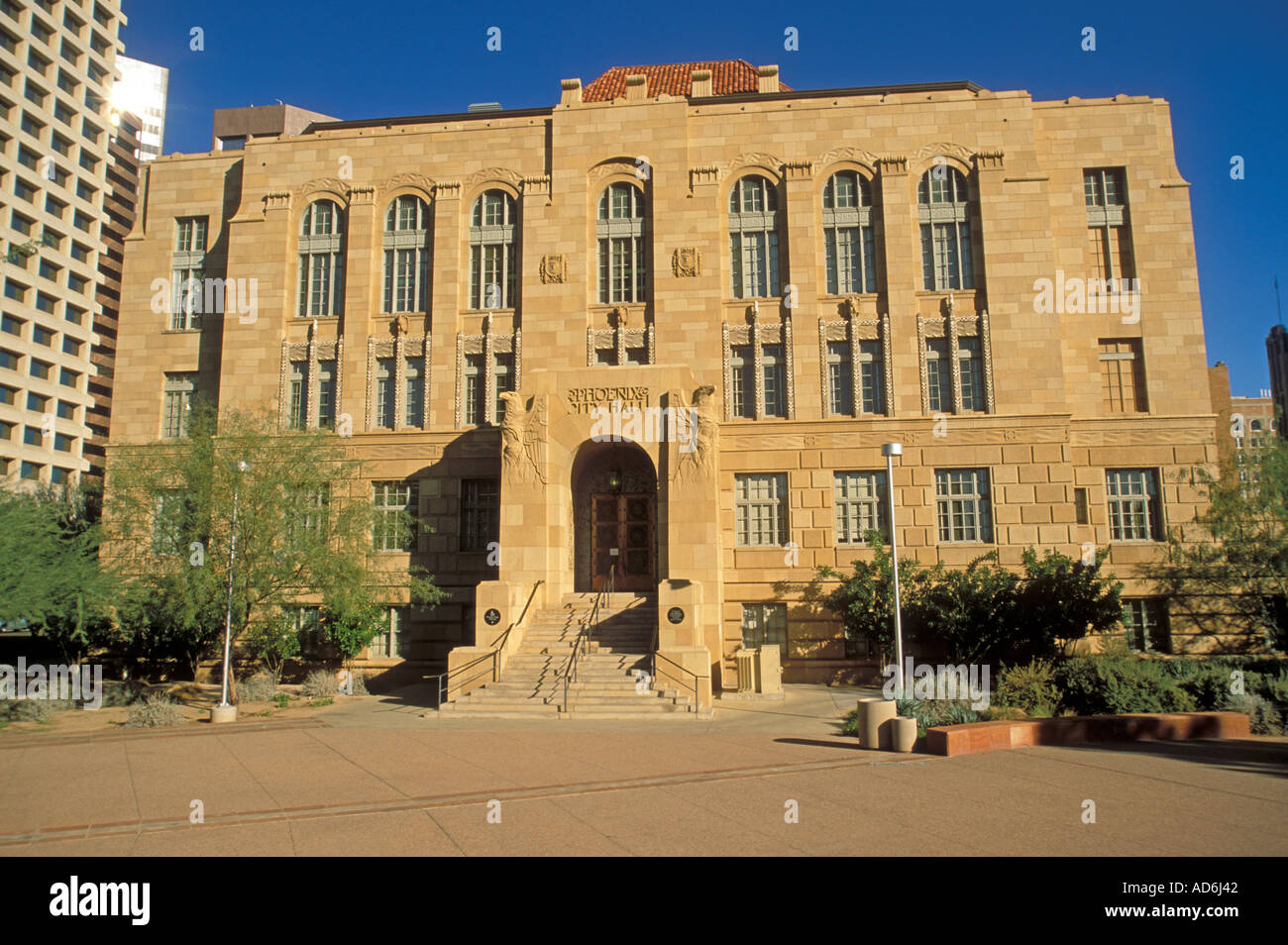 Maricopa county courthouse old phoenix city hall 125 w for Classic house phoenix