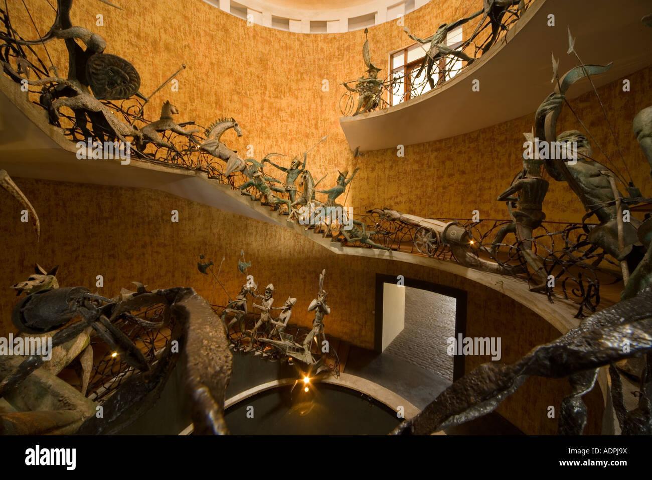 http://c7.alamy.com/comp/ADPJ9X/lighthouse-hotel-galle-sri-lanka-entrance-with-sinhalese-warrior-sculptures-ADPJ9X.jpg