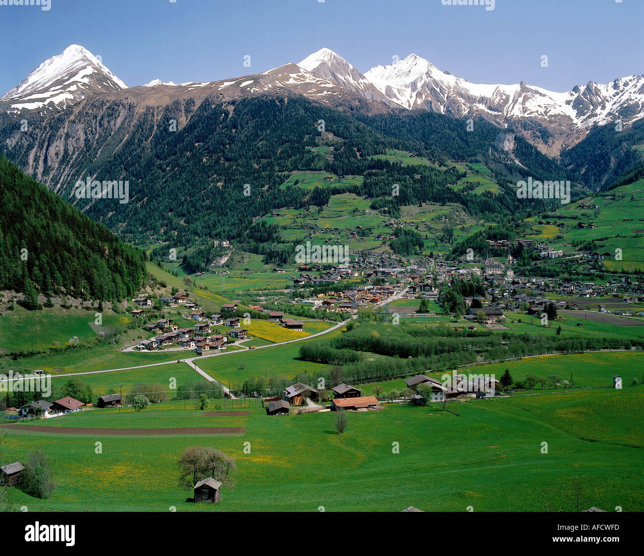 a geography of austria Geography landscape in vienna and the surrounding vienna basin, all of  austria's characteristic landscapes come together in the west are the alps and  the.