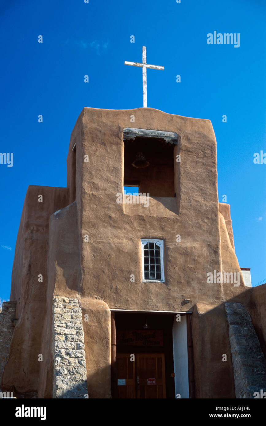 New mexico southwest santa fe san miguel chapel oldest ud for Southwest architecture