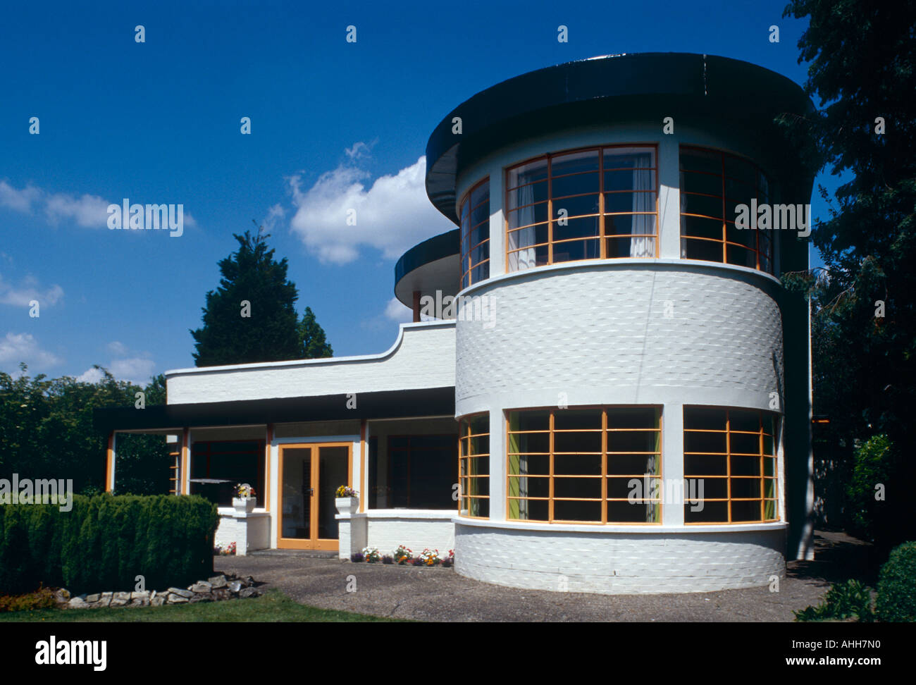 A Modern Art Deco Home Visualized In Two Styles: The Sun House In Cambridge UK. A Grade 2 Listed Home In