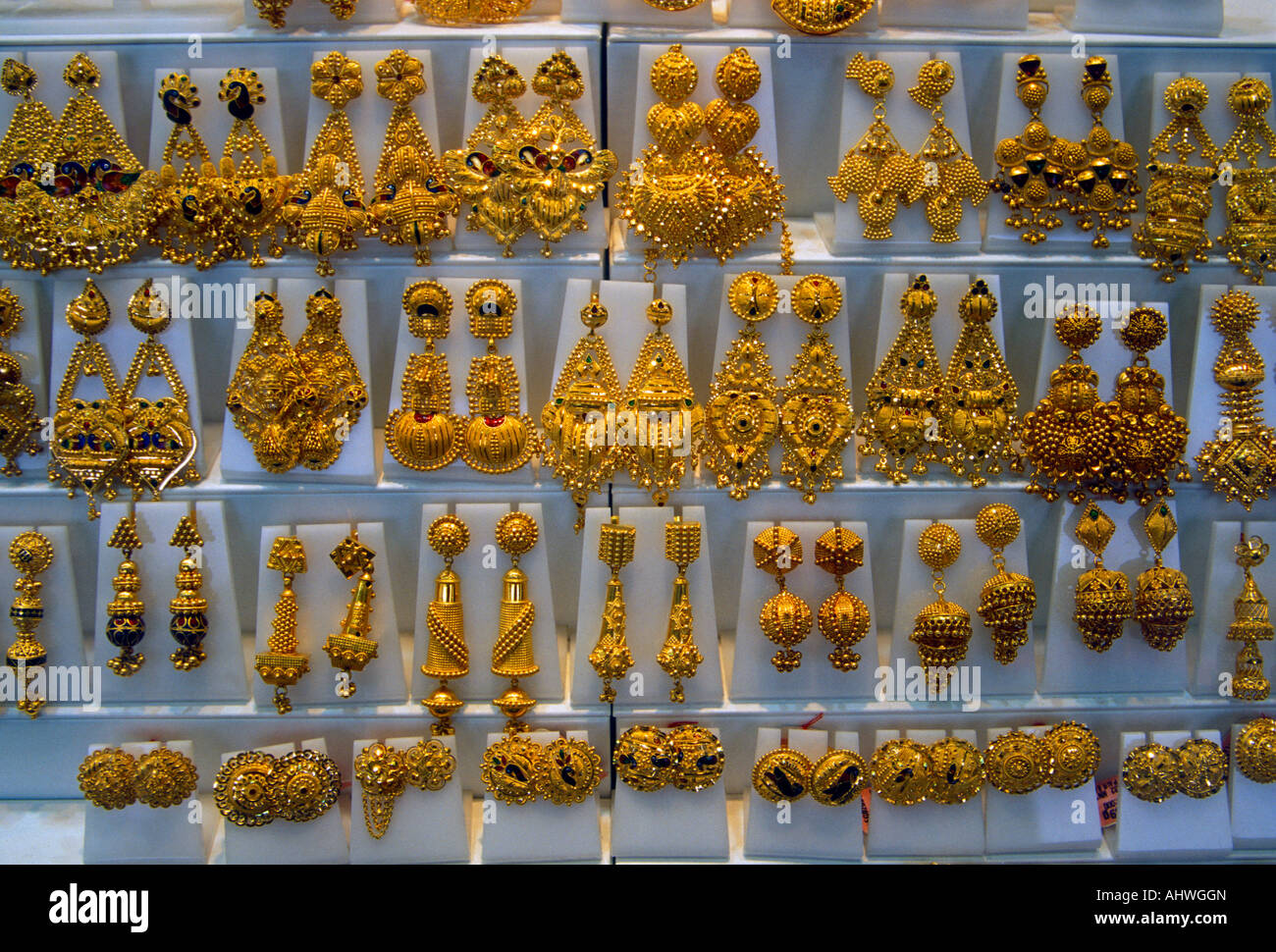 Gold window display at jewelry store little india district for Jewelry store window displays