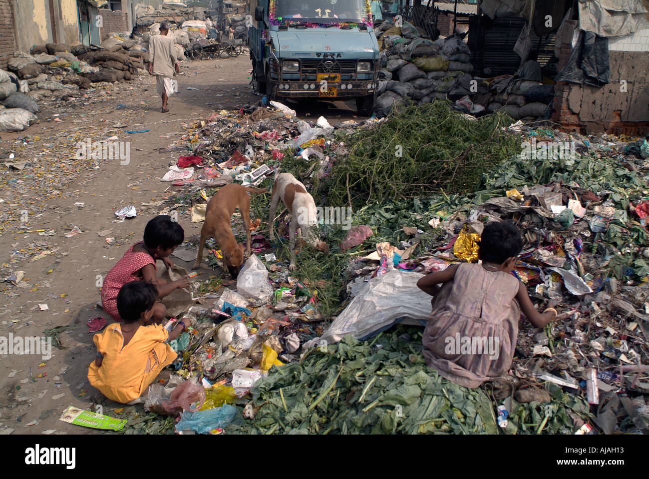the women rag pickers of mumbai Rag pickers: engineers for a cradle-to minar and his family are commonly called rag pickers, self-employed men and women that account mumbai is one of the.