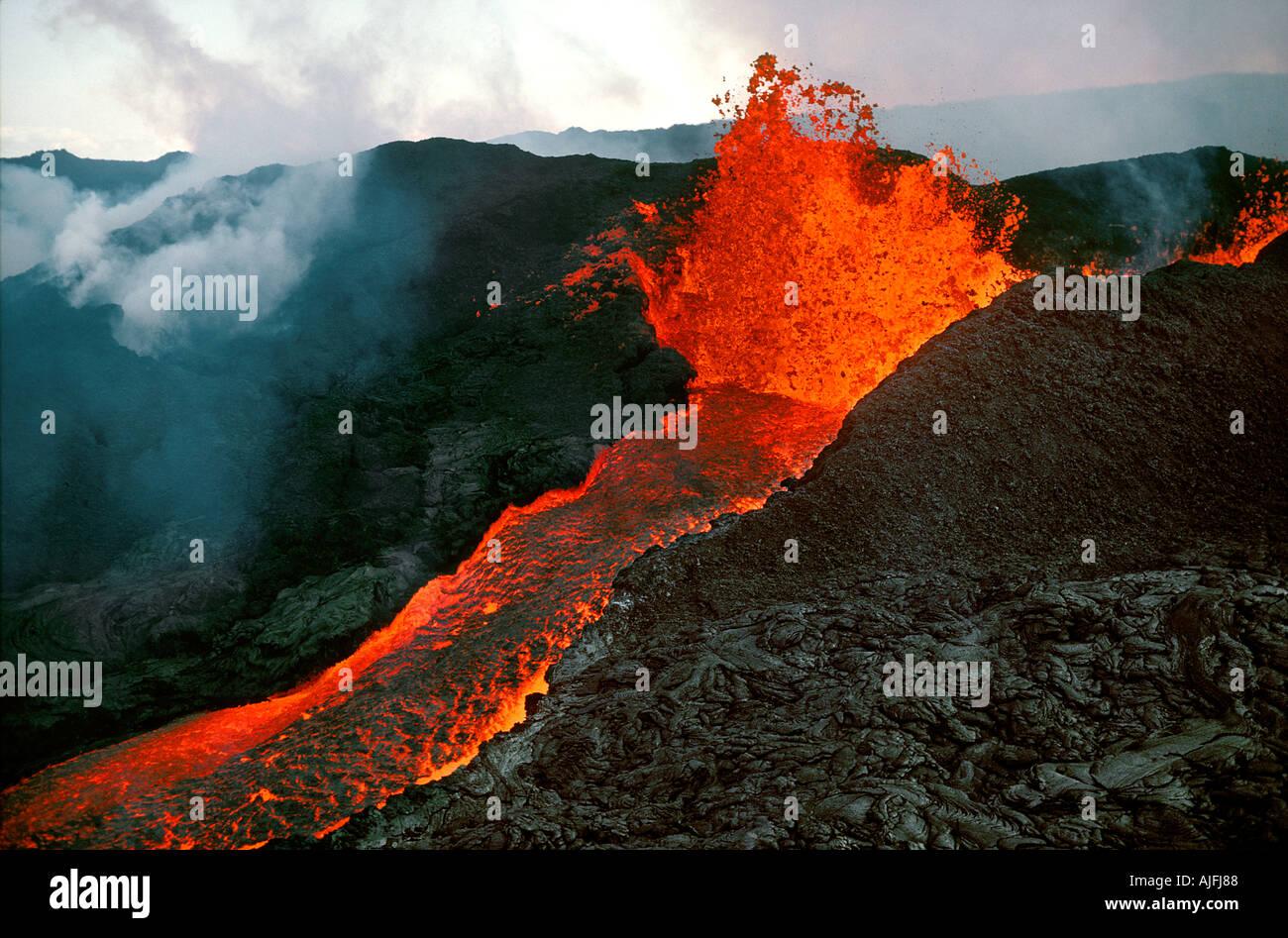 mauna-loa-eruption-big-island-of-hawaii-
