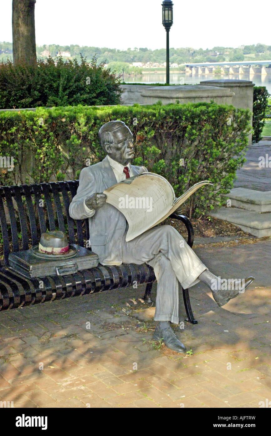 Sculpture by j seward johnson jr called waiting in for John seward johnson