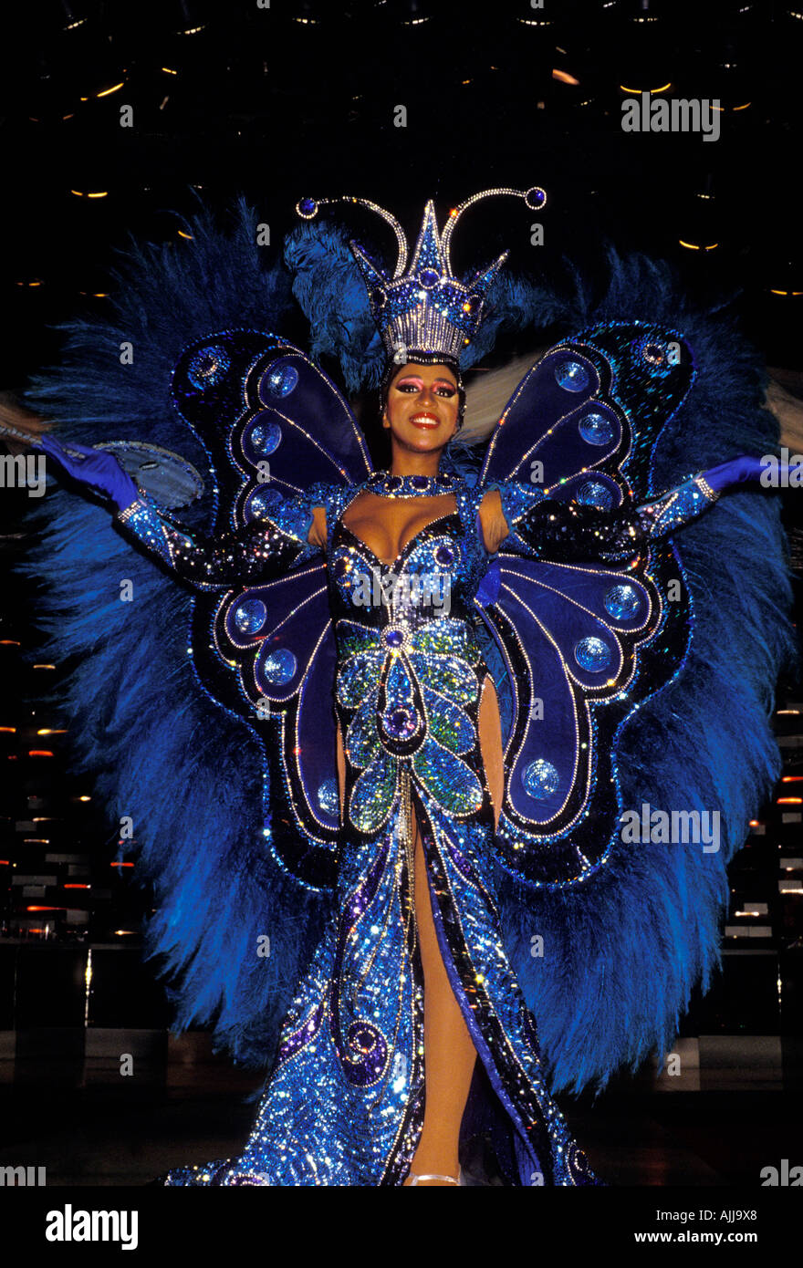 LOOK: Sexy & Naked Women At World's Biggest Street Party ...  |Brazilian Carnival Ladies