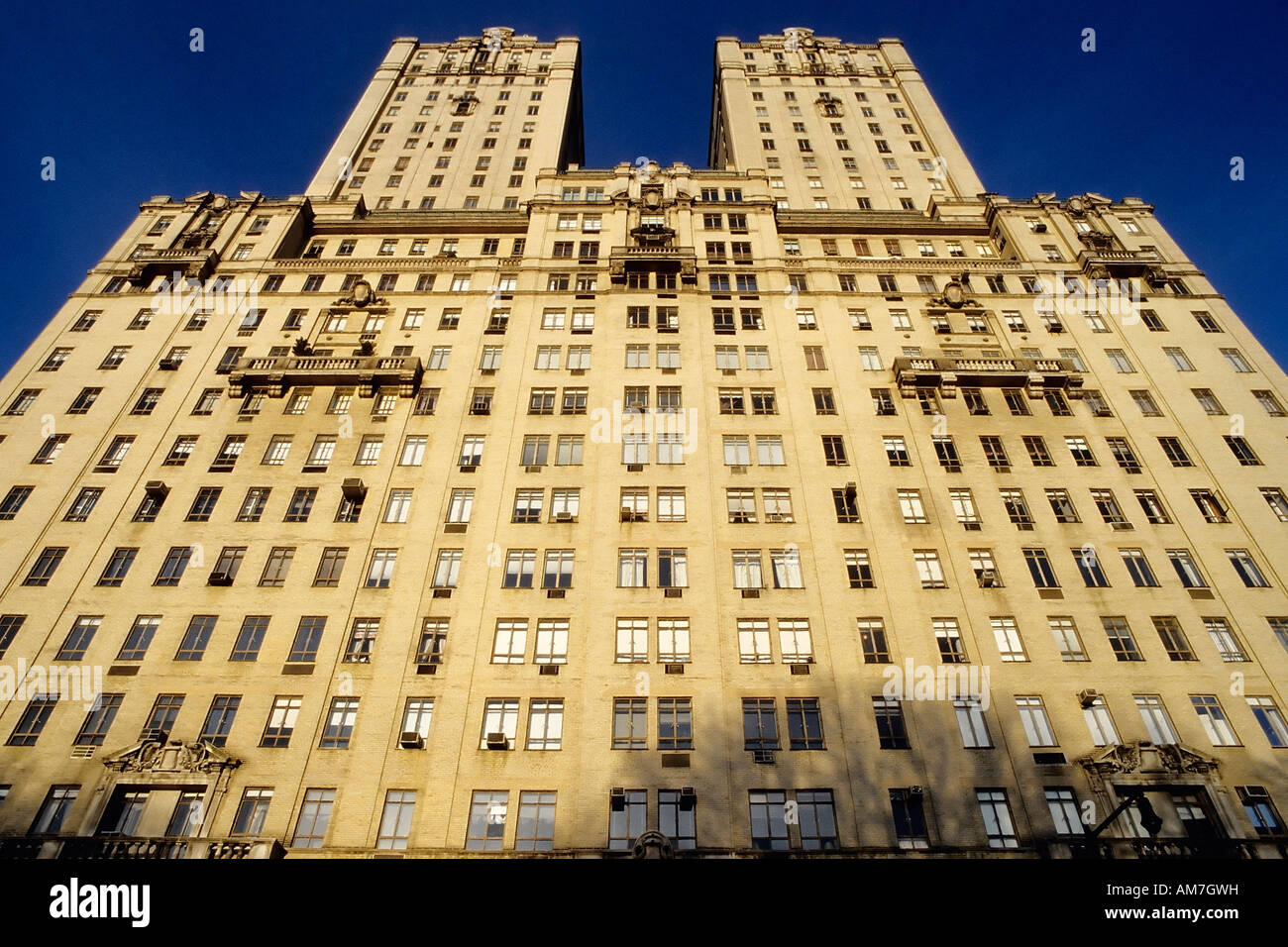 Apartment building san remo central park west upper west for Apartments upper west side manhattan