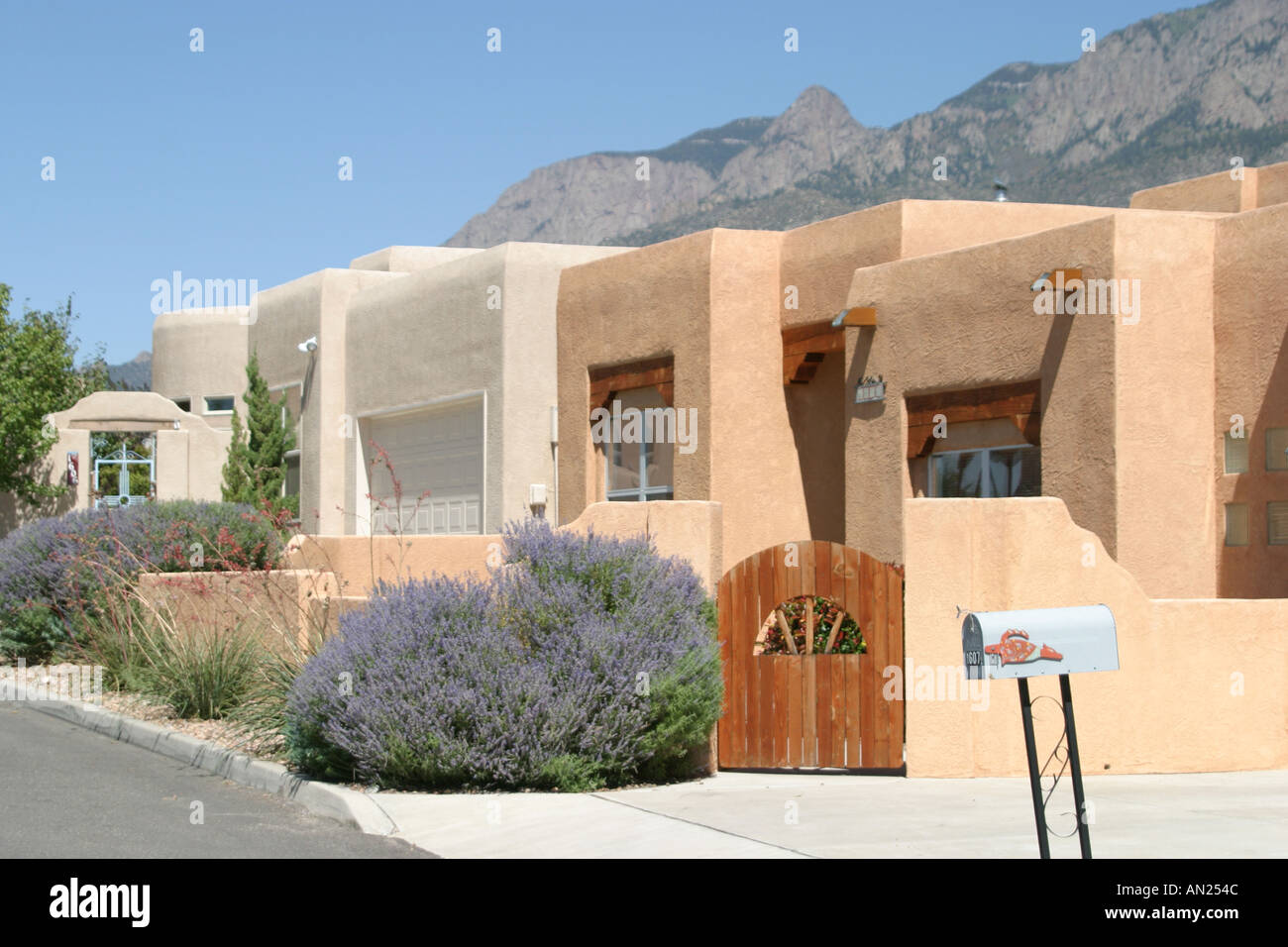 Albuquerque new mexico sandia heights adobe style homes for Adobe style homes