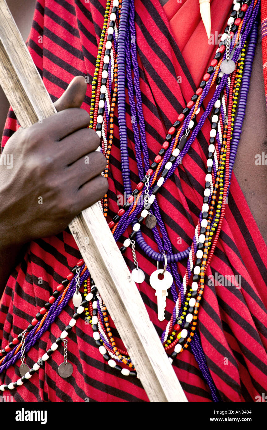 Kenya Close up of jewellery and weapons Maasai tribesman Masai Mara National Reserve Stock Foto