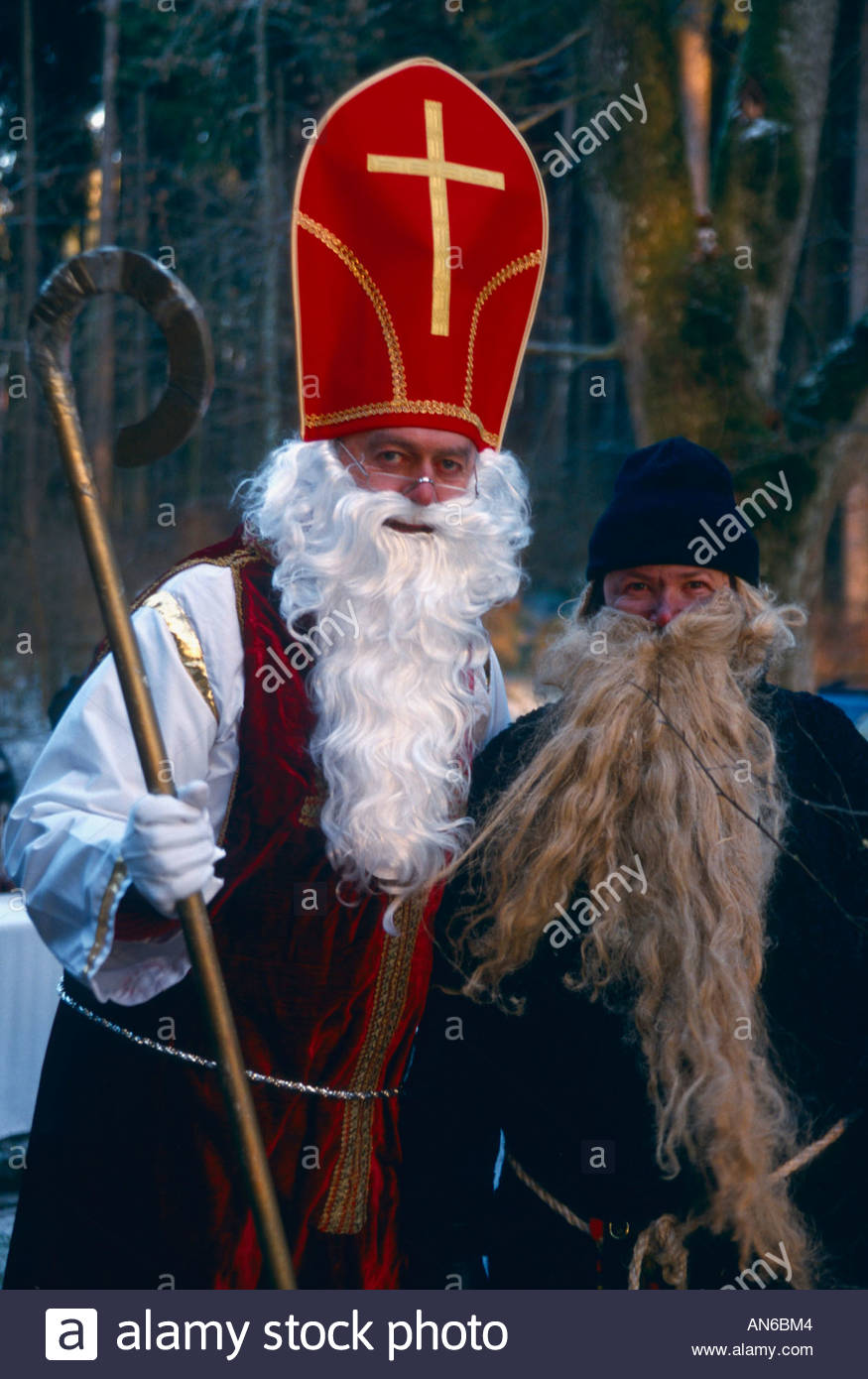 st nikolaus mit krampus santa claus with krampus bayern. Black Bedroom Furniture Sets. Home Design Ideas