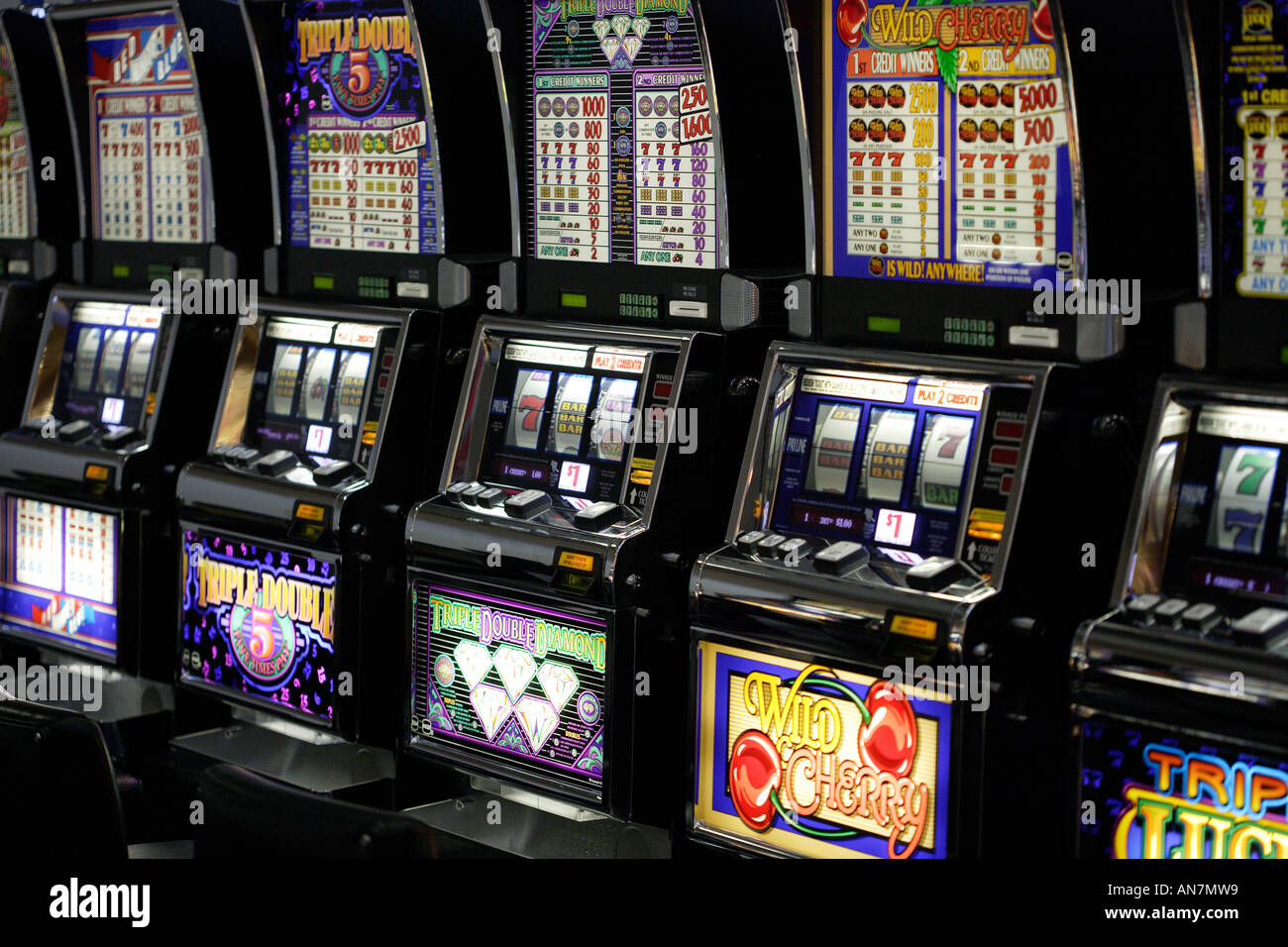 one armed bandit slot machine