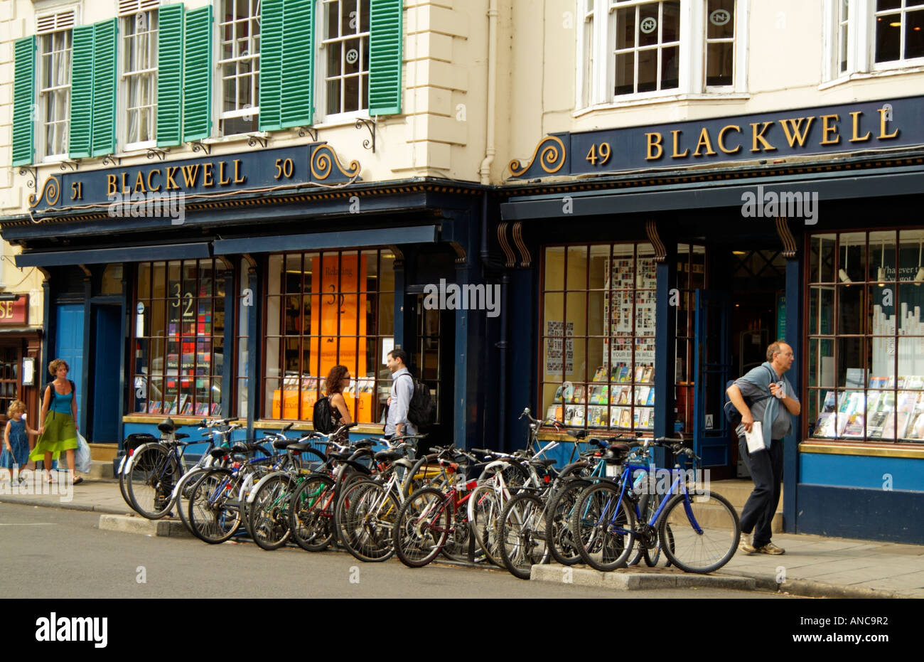 the-blackwell-book-shop-in-broad-street-