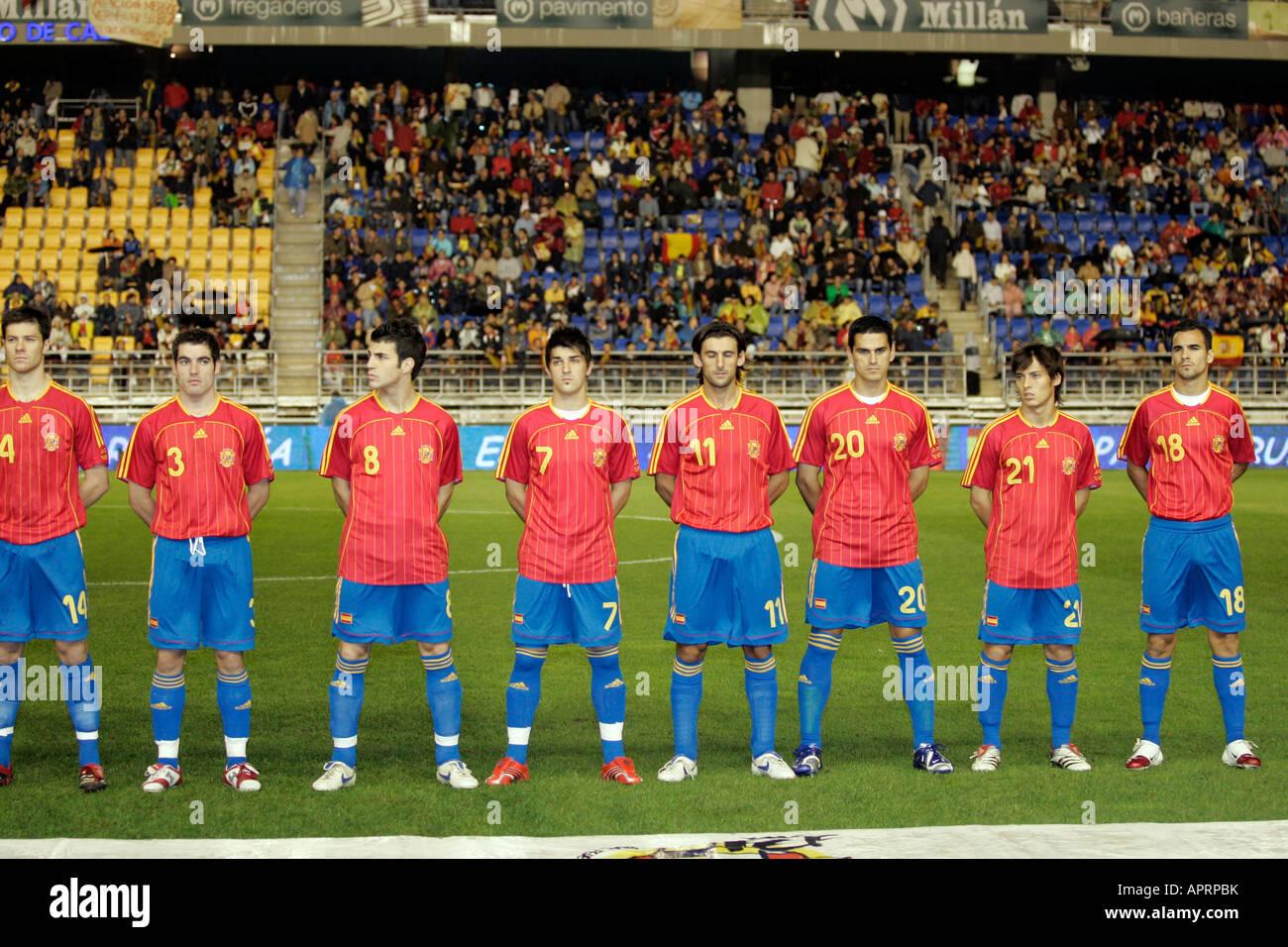 Hilo de la selección de España The-spanish-squad-APRPBK