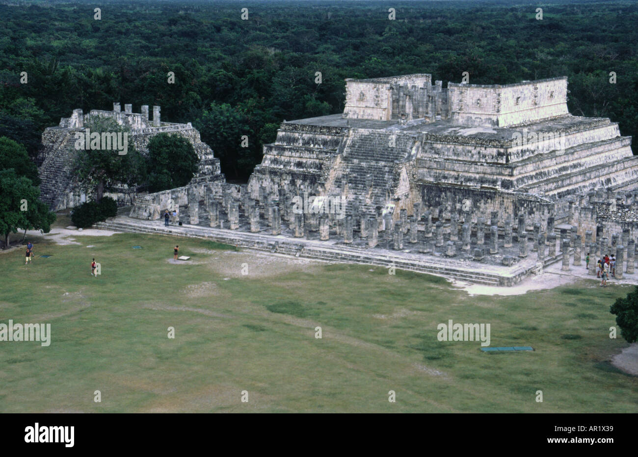 an overview of research on the temple of the warriors of chichen itza Twin tollans : chichén itzá, tula,  chichen itza site (mexico)  erences shared by the temple of the warriors at.