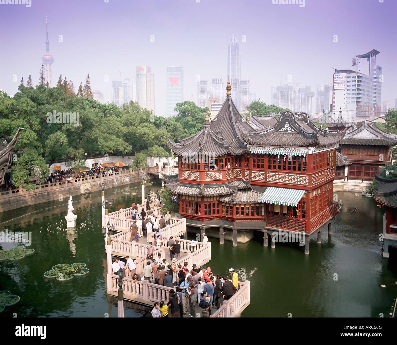 Yu Yuan Tea House And City Skyline Yu Yuan Shangcheng Yu