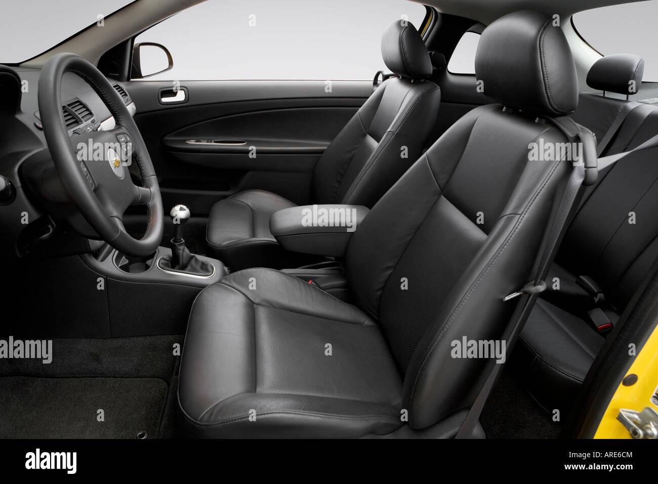 2006 chevrolet cobalt ss in yellow front seats stock. Black Bedroom Furniture Sets. Home Design Ideas