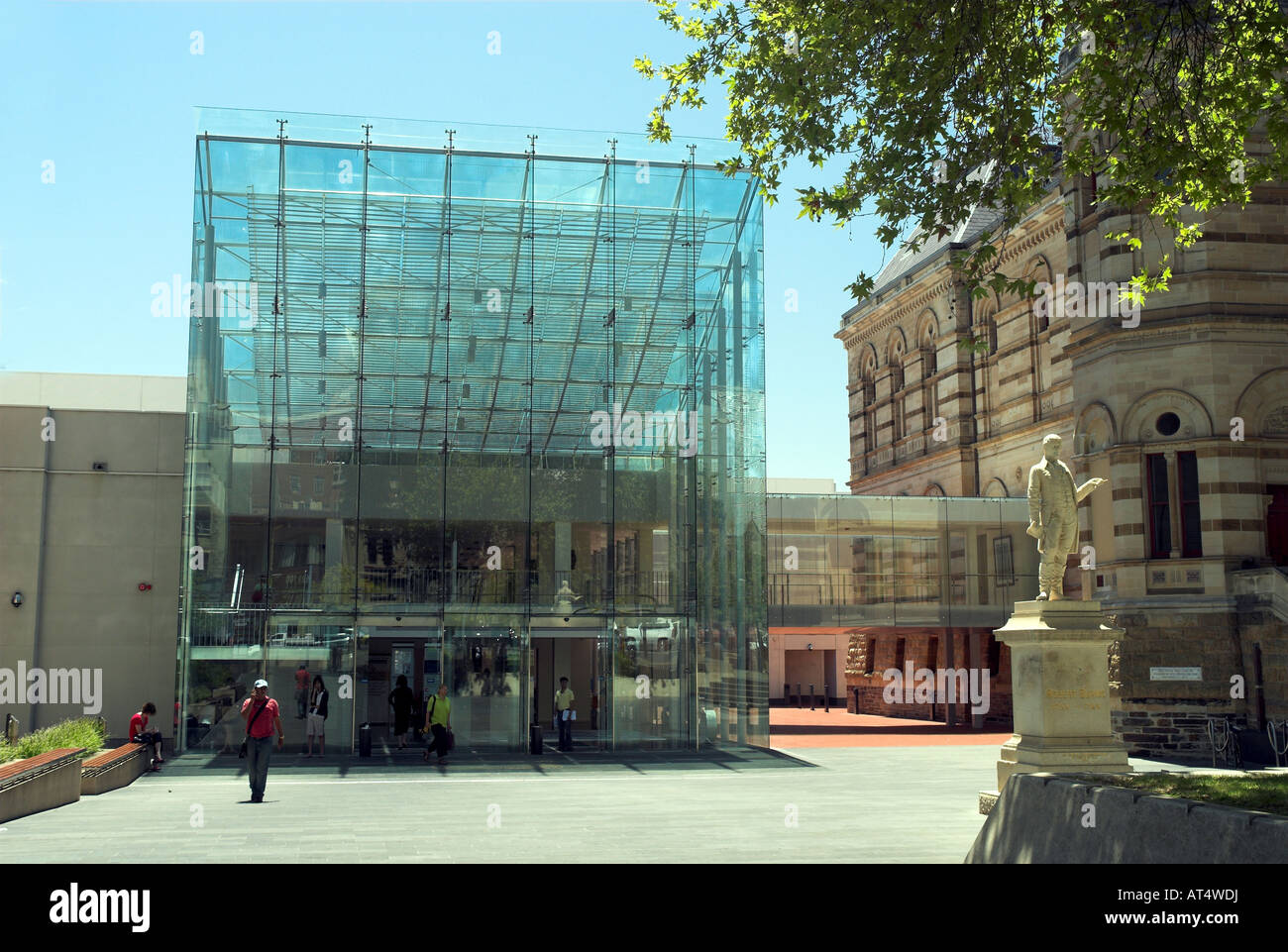 Exterior of the state library of south australia adelaide for Queensland terrace state library