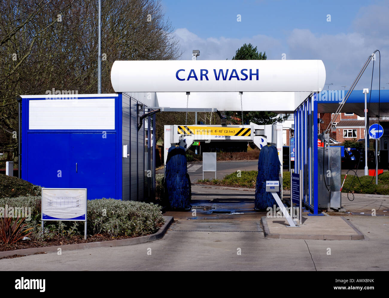 a car wash at a tesco garage coventry england uk stock. Black Bedroom Furniture Sets. Home Design Ideas