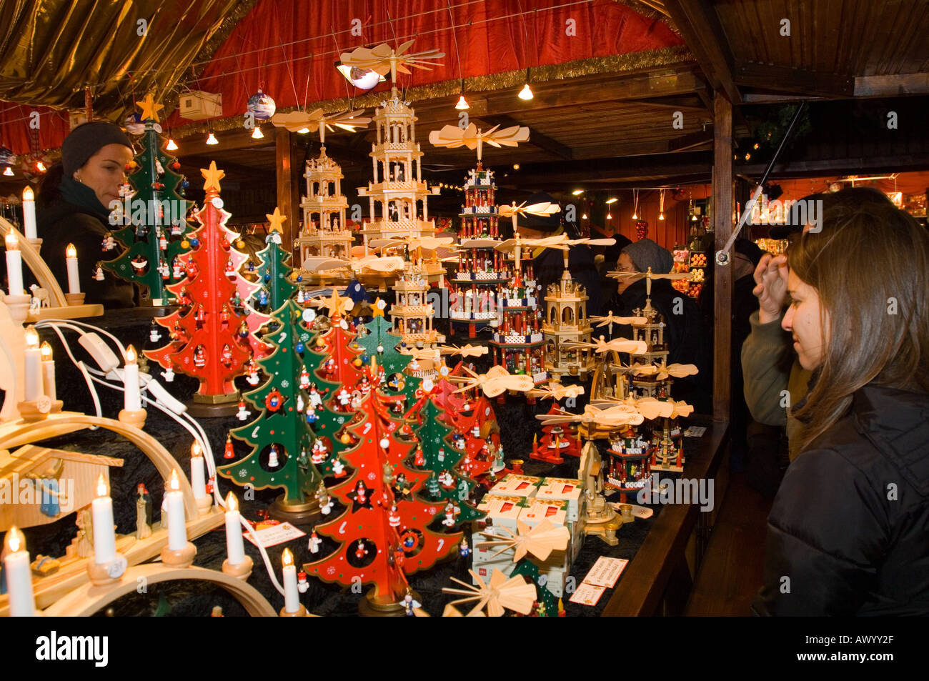 Decorations In Germany During Christmas : Christmas decorations stall at the german market