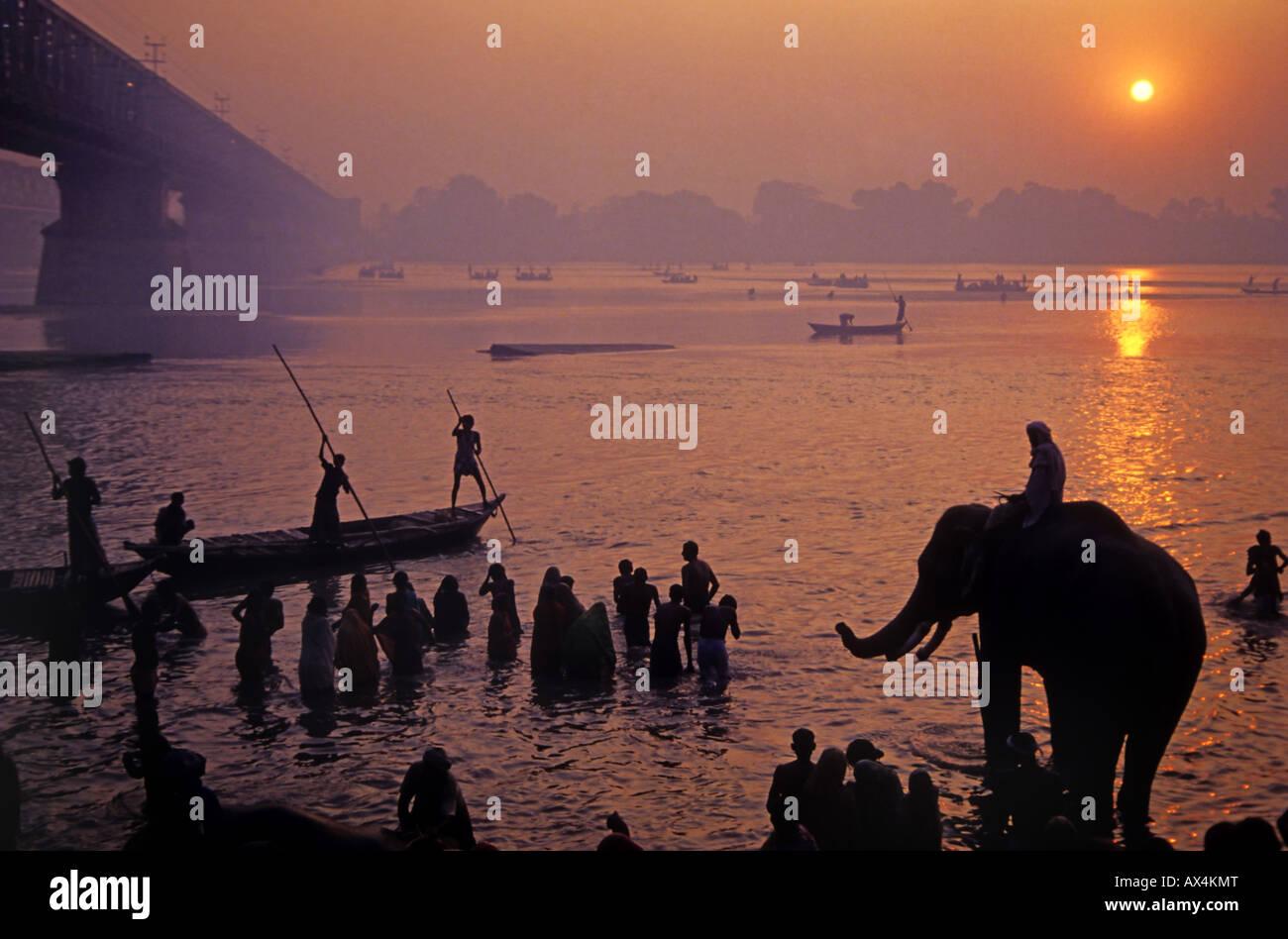riverside-pilgrimage-gandak-river-sonepu