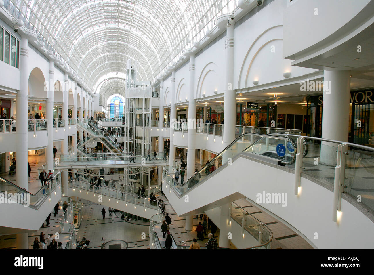 Kingston (Ontario) malls and shopping centres. The biggest Kingston shopping mall: Cataraqui Centre. The biggest Ontario shopping mall: Bloor-Yorkville. Malls and shopping centres in Kingston total: 7. Kingston malls and shopping centres online - huge database of shopping areas in Kingston (Ontario). Get information about malls, centres and.