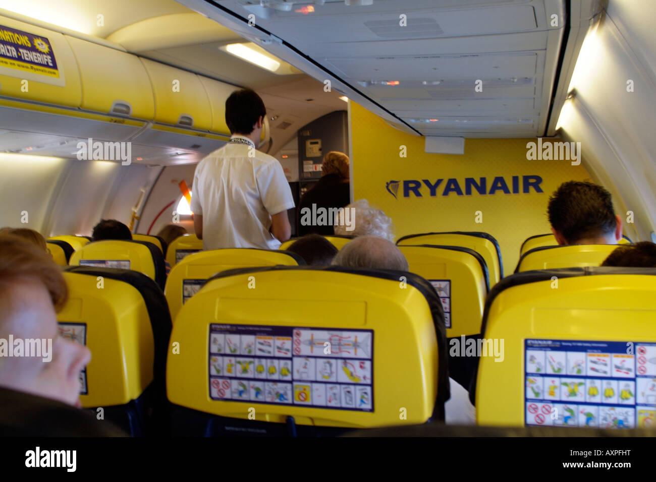 ryanair-boeing-737-800-jet-passenger-cab
