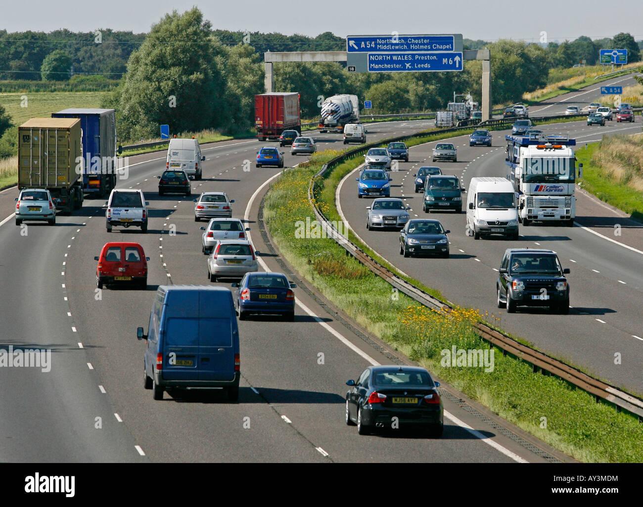 m6-motorway-cheshire-england-uk-AY3MDM.j