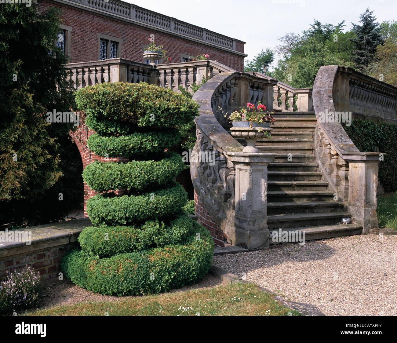 barocke treppe zierbusch italienischer garten am schloss kalbeck in stockfoto lizenzfreies. Black Bedroom Furniture Sets. Home Design Ideas