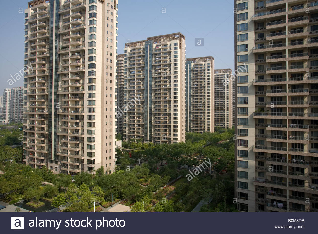 what are the disadvantages of living high rise buildings A case in point are the high-rise buildings springing up throughout urban asia  the setup of high density living was developed for the pros.