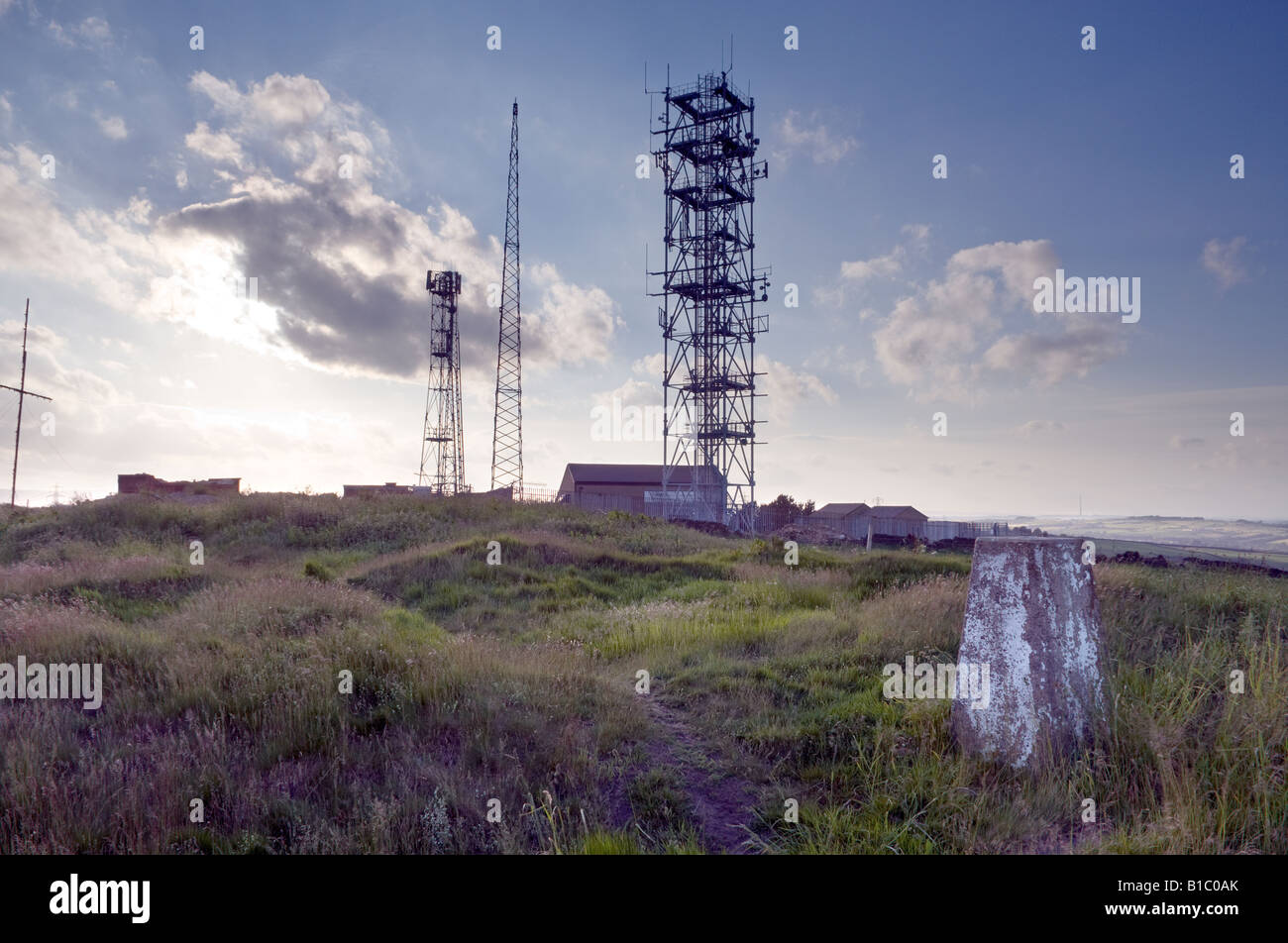 hunshelf-bank-transmission-masts-at-stoc