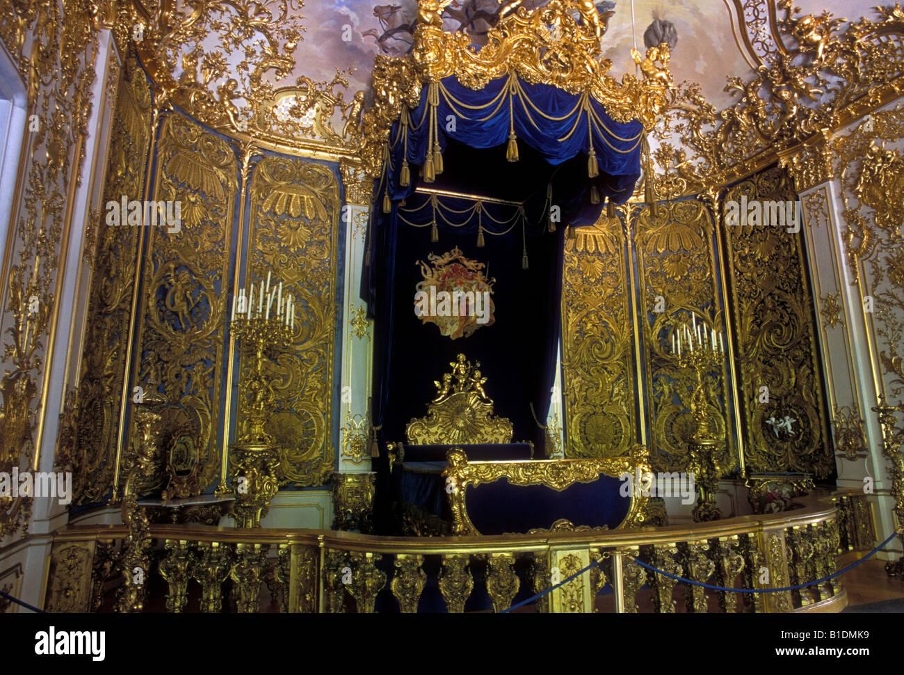 Bedchamber linderhof palace linderhof castle schloss for Chambre a coucher wikipedia
