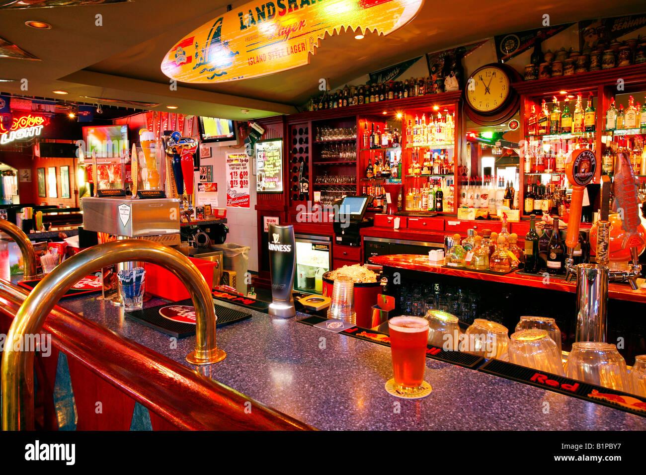 gay town Bar small