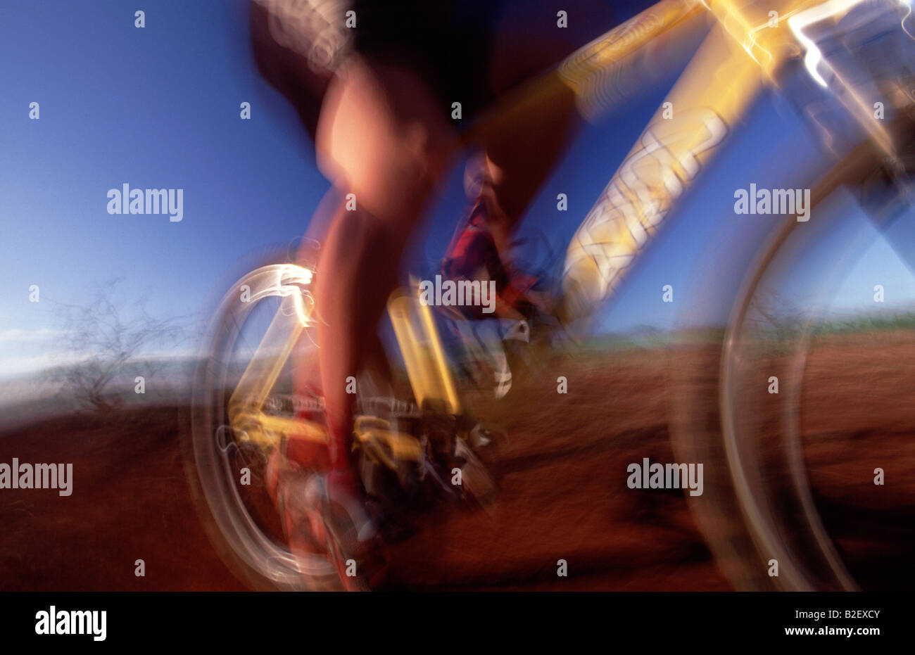 usa-hawaii-molokai-mountain-biking-on-di