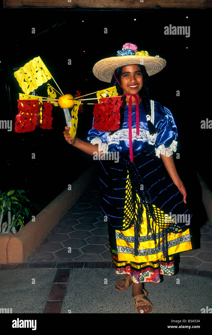 la libertad single hispanic girls People of color performed skilled and unskilled functions that contributed to hispanic afro-peruvian music has its roots in peru such as la libertad.