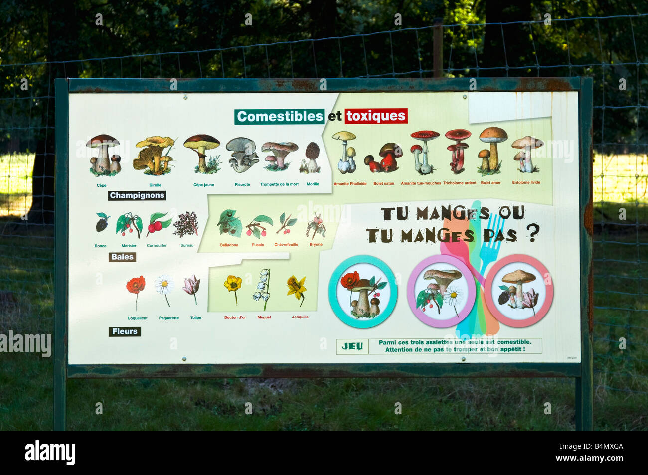 Information sign identifying differences between safe and for Zoo haute touche